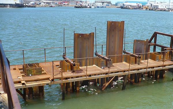 Tablestaca en aplicaciones marinas