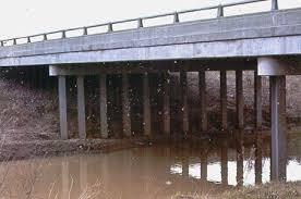 Flujo bajo un Dam -Dam con un Tablestaca